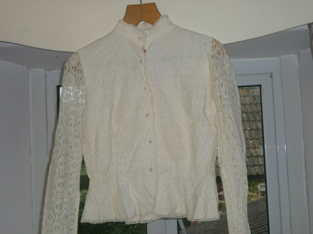 Oh beautiful lace blouse, I'd forgotten how beautiful you are