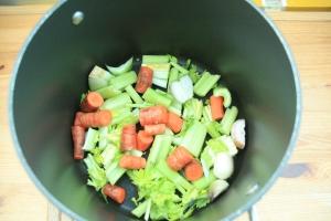 using leftover veg to make stock