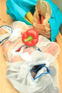 Zero Waste Week: package free grocery shopping